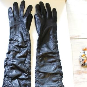 Gorgeous Vintage Long Leather Gloves